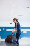 Recuperación de bagaje en el aeropuerto Fotografía de archivo libre de regalías