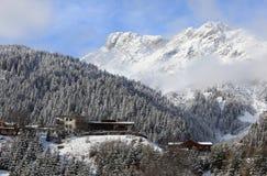 Recurso da neve de St. Anton, Áustria fotografia de stock royalty free