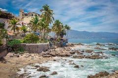 Recurso tropical Puerto Vallarta A melhor praia em México Opinião do Oceano Pacífico imagem de stock