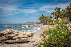 Recurso tropical Puerto Vallarta A melhor praia em México Opinião do Oceano Pacífico fotografia de stock royalty free