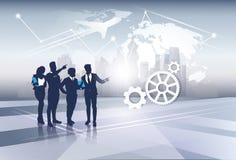 Recursos de Team Silhouette Businesspeople Group Human del negocio sobre concepto del vuelo del viaje del mapa del mundo Imagen de archivo