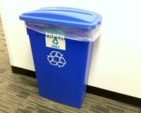 Recycle bin in office Royalty Free Stock Photos