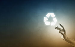 Recycle glühende Ikone lizenzfreie stockfotos