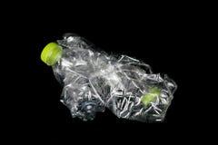 Recycle machte von benutzten Plastikflaschen stockbilder