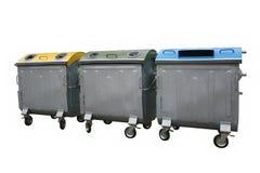 Recycle slänga i soptunnan behållare Arkivfoto