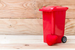 recycle trash bin with heart Royalty Free Stock Photos