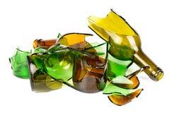 Recycled.Shattered grüne und braune Flasche Stockbilder