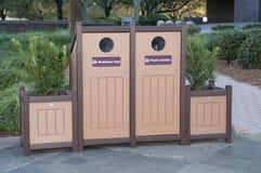 Recycleer Bakken met Planters Stock Afbeeldingen