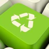 Recycleer Computersleutel in Groen het Tonen Recycling en Vriendschappelijke Eco stock afbeelding
