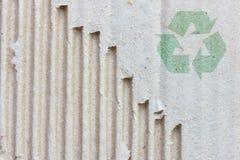 Recycleer embleem op oud document vector illustratie