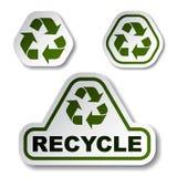 Recycleer groene pijlstickers stock illustratie