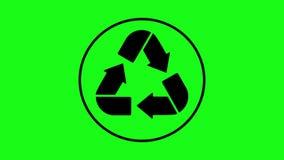 Recycleer pictogramanimatie Zwarte pijlen op het groen scherm stock footage
