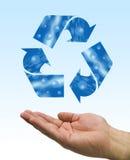 Recycleer waterhand Stock Foto's
