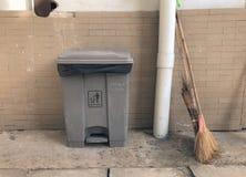 Recyclerende bakken, Openbaar afval Stock Afbeelding