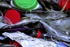 Recycling van oude plastic flessen Royalty-vrije Stock Foto