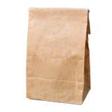 Recyclingpapiereinkaufstasche lokalisiert auf Weiß Stockbilder