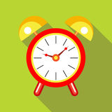 Red alarm clock icon in flat style Royalty Free Stock Photos