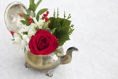 Free Red And White Floral Arrangement In Antique Teapot Stock Photography - 135942752