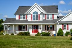 Free Red And White Two Story House Royalty Free Stock Photos - 121441498