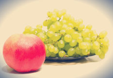 Red apple and grapes Royalty Free Stock Photos