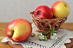 Red apple on the table. Royalty Free Stock Photos