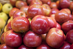 Red apples. Close up fresh red apple piles Royalty Free Stock Image