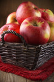 Red apples in basket Royalty Free Stock Photography