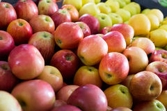 Red apples market Royalty Free Stock Photography