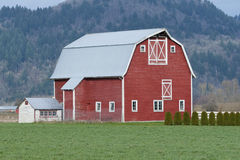 Free Red Barn Farm Stock Photos - 23698493