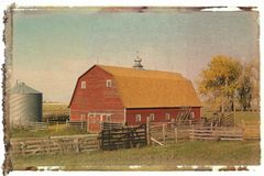 Red barn and fence Royalty Free Stock Images