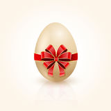 Red bow on Easter egg Royalty Free Stock Photos