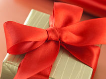 Red bow on a gift box Royalty Free Stock Photography
