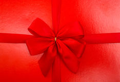 Red box with a bow isolated Royalty Free Stock Images