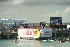 Red Bull 100th Flugtag Laoghaire brun grisâtre Photographie stock libre de droits
