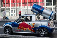 Red Bull annonseringbil Royaltyfria Foton