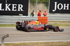 Red Bull formel en som är drivande vid Daniel Ricciardo Royaltyfria Foton