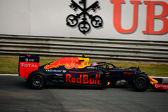 Red Bull-Formule 1 in Monza door Daniel Ricciardo wordt gedreven dat royalty-vrije stock afbeeldingen