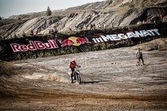 Red Bull 111 mega watt: Motocross och hårt endurolopp Royaltyfri Foto