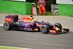 Red Bull RB11 F1 conduit par Daniel Ricciardo à Monza Photographie stock libre de droits