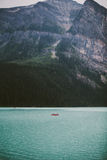 Red Canoe at Lake Louise Royalty Free Stock Photos