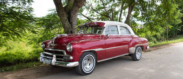 Red car in cuba Royalty Free Stock Photography