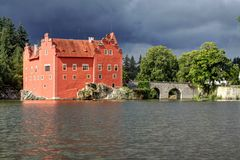 Red castle from the lake Royalty Free Stock Photos
