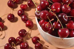 Red cherries in a bowl Royalty Free Stock Photography