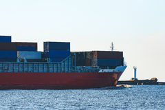 Red container ship Royalty Free Stock Photos