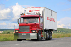 Red Conventional Scania T92 on the Road Royalty Free Stock Photos