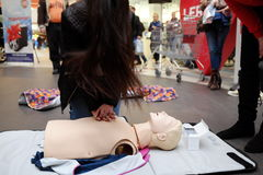 Red Cross training for artificial respiration Stock Photography
