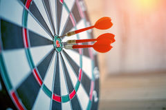 Free Red Dart Arrow Hitting In The Target Center Royalty Free Stock Photo - 76199815