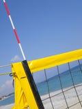Red de la bola del voleo de la playa Imágenes de archivo libres de regalías