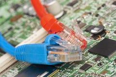 Red de ordenadores de la tecnología de la información, cables de Ethernet de la telecomunicación foto de archivo libre de regalías