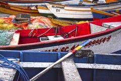 Red de pesca del rowing del pescador de la pesca del barco imágenes de archivo libres de regalías